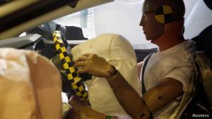 """رويترز: الولايات المتحدة تفتح تحقيقا في """"عيوب"""" الأكياس الهوائية بـ30 مليون سيارة"""