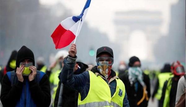 """فرنسا: """"السترات الصفراء"""" تفرض كلمتها على حكومة ماكرون"""