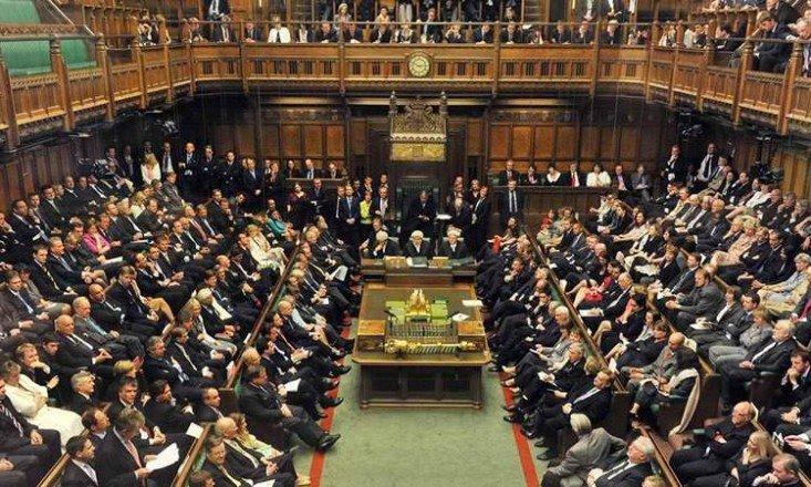 """""""النواب البريطاني"""" يصوت لفرض ميزانية على ايرلندا الشمالية"""