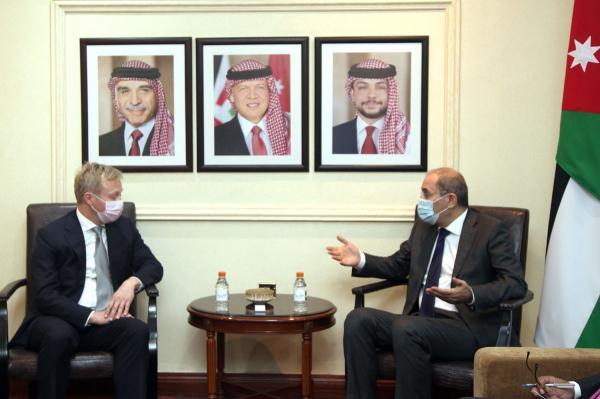 الصفدي وكوبمانز يبحثان الحفاظ على التهدئة في الأراضي الفلسطينية