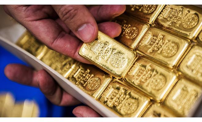 الذهب يتراجع بفعل جني الأرباح وصعود الدولار