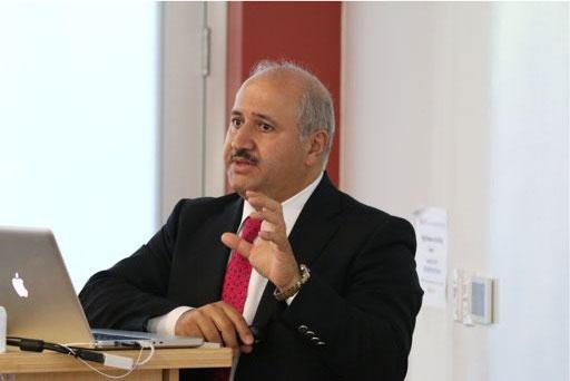 حازم الناصر يدخل في مناكفات انتخابية