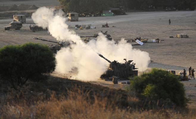 جيش الاحتلال يقصف هدفا على حدود غزة مع مصر