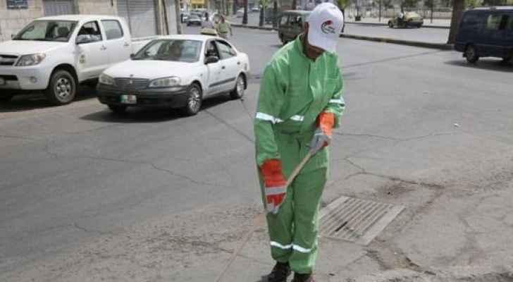 ضبط متسول ينتحل صفة عمال الوطن في عمان