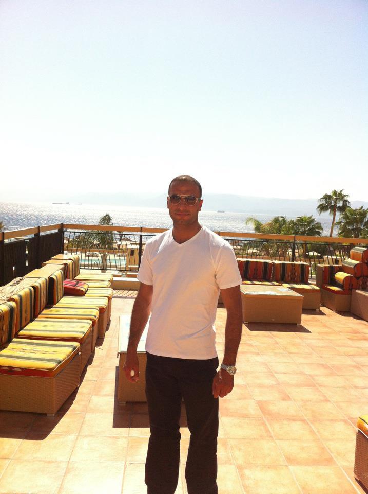 عمان جو تتقدم من الاخ والصديق محمد عزام بالتبريك لترفيعه لرتبة ملازم