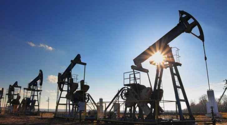 النفط يرتفع قبيل عقوبات أمريكية على إيران