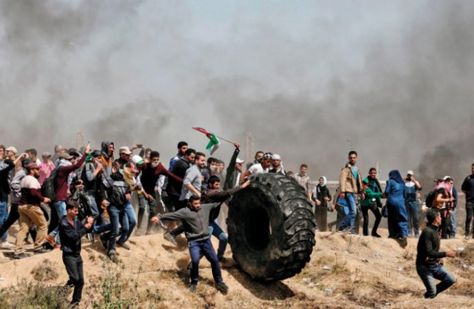 """الغزيون يستعدون لانطلاق جمعة """"انتفاضة القدس"""""""