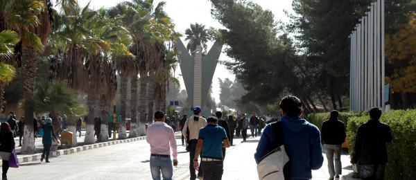 14 الفا يحق لهم التقدم للجامعات الرسمية والطلبات  ..  الاثنين