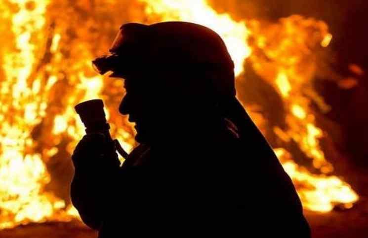 مغربي يٌشعل النيران في زوجته أمام أعين أطفالهما الأربعة