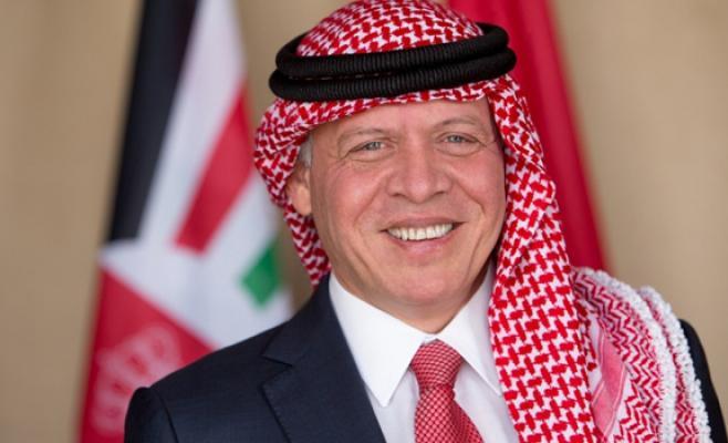 الملك مغرداً عبر تويتر: مبارك للناجحين في التوجيهي