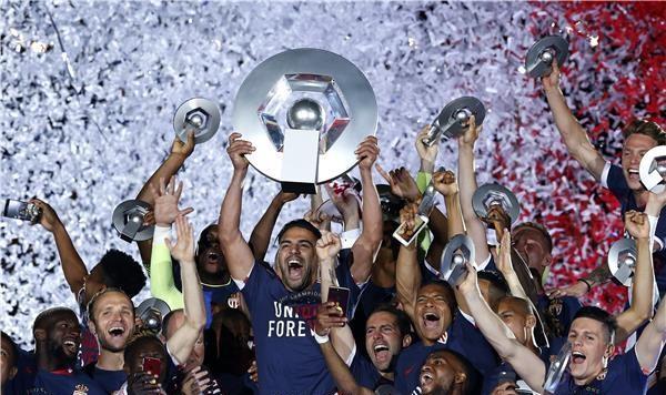 موناكو بطلاً للدوري الفرنسي للمرة الأولى منذ 17 عامًا