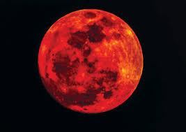 """""""القمر الدامي العملاق"""" ..  مرة جديدة بعد أيام"""