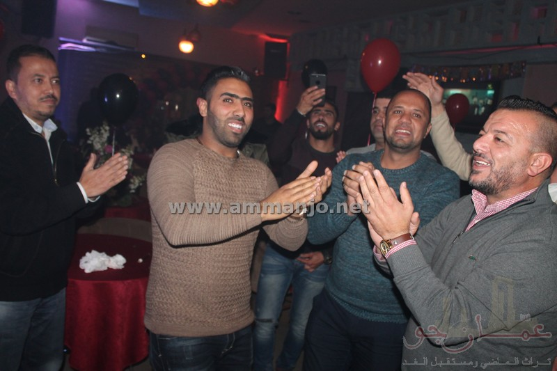 الاحبة والاصدقاء يحتفلون بعيد ميلاد اللبناني