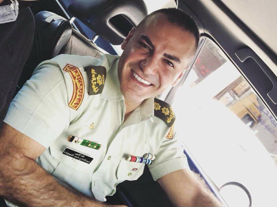 الدكتور عبد الفتاح العوايشة الف مبروك الترفيع