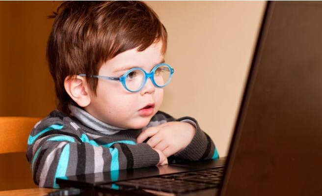 """الجرائم الإلكترونية تحذر من ألعاب أطفال """"قاتلة"""""""