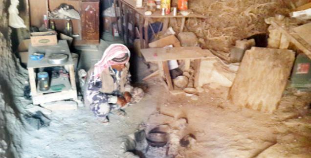 """الشوبك: قرى منسية سكانها في الكهوف وخيم """"الخيش"""""""
