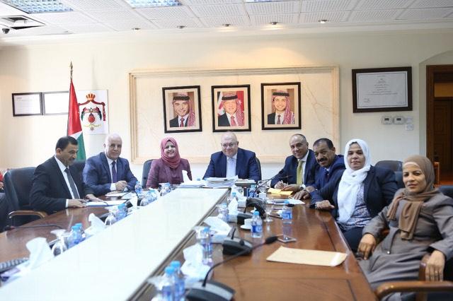 كتلة النهضة النيابية تلتقي وزير الأشغال العامة والاسكان