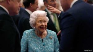 """بعد ليلة في المستشفى ..  """"تساؤلات"""" عن صحة الملكة إليزابيث الثانية"""