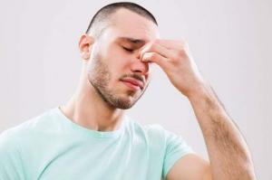 تخلص من التهاب الجيوب الأنفية والصداع بهذه الطريقة المذهلة