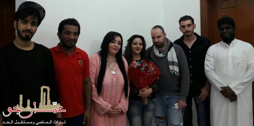 الفنانة هاجر احمد تحتفل بعيد ميلادها مع اصدقائها الفنانين