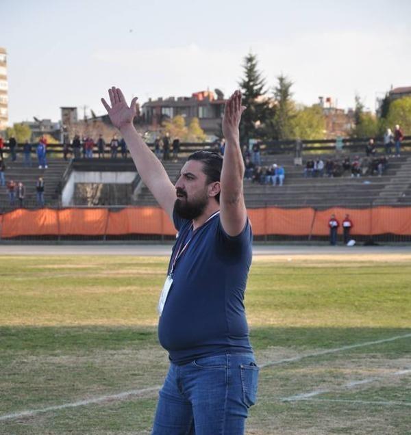 دباس يطالب لاعبي الوحدة برد الدين أمام الفيصلي