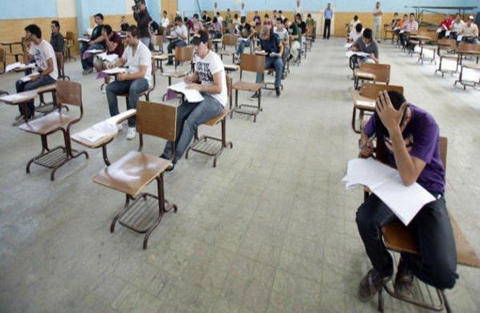 طلبة التوجيهي ينهون امتحاناتهم اليوم