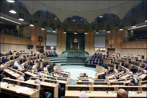 النواب يصوتون على تشكيل لجنة تحقيق بحادثة البحر الميت ويخرجون الحكومة من مأزق