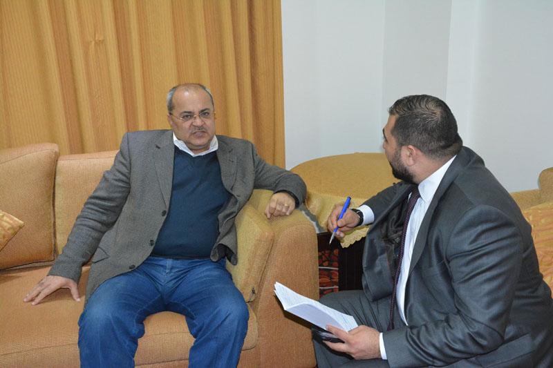 """د.احمد الطيبي لـ""""عمان جو """"لايوجد شيء اسمه الوطن البديل"""