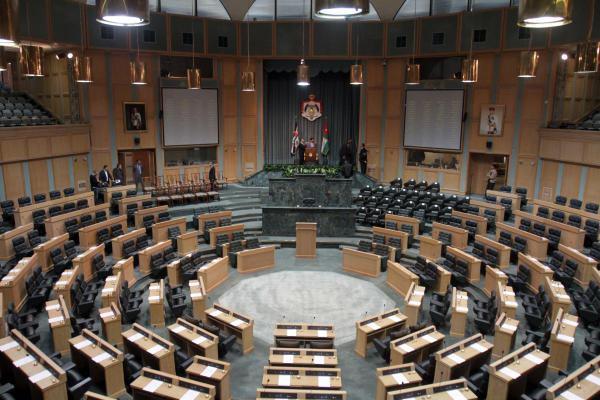 """حكومة الرزاز تحصل على ثقة """"النواب"""" بـ 79 صوتا"""