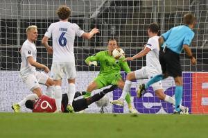 يونايتد يتجاوز كوبنهاجن بشق الأنفس إلى نصف النهائي
