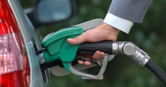 هل ترتفع أسعار النفط إلى 100دولار؟