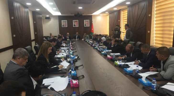 """""""جمعية البنوك"""" للحكومة: اذا رفعتم الضرائب على البنوك سنرفع الفائدة على المواطن"""
