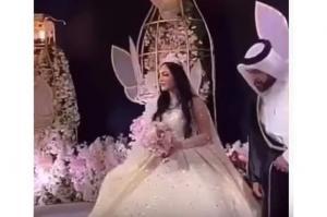 شاهد ..  فنانة شهيرة تفاجئ الجميع بحفل زفافها على رجل أعمال قطري