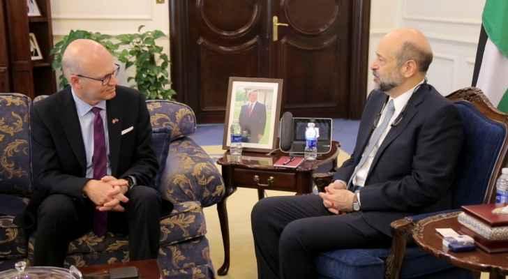 الرزاز يلتقي رئيس مجلس النواب الكندي