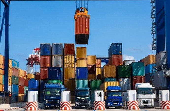 """ارتفاع صادرات """"صناعة عمان"""" خلال 8 أشهر"""