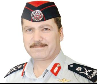 اللواء البزايعة يتفقد مديرية دفاع مدني عجلون