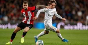 ريال مدريد يتخطى بيلباو ويتشبث بأمل حصد الليجا
