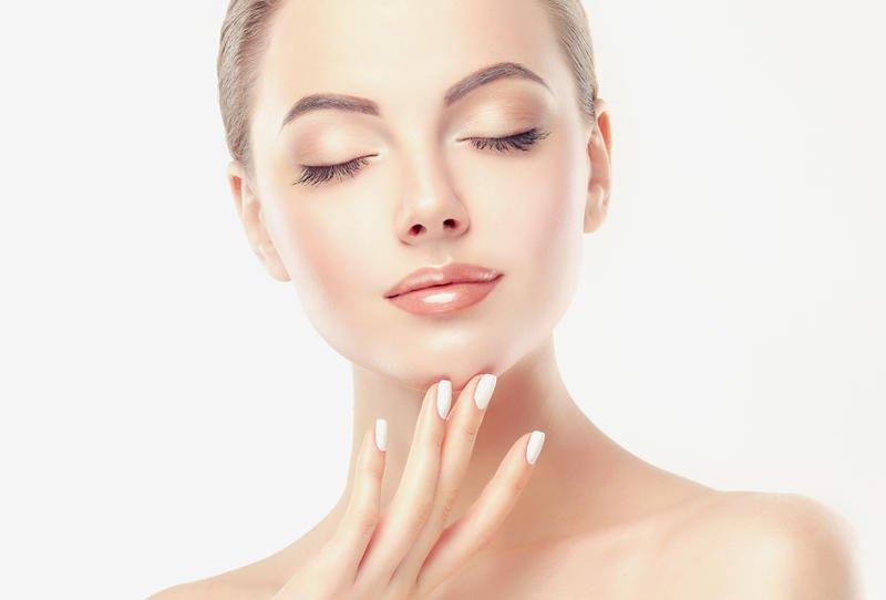علاجات طبيعية لنضارة بشرتك