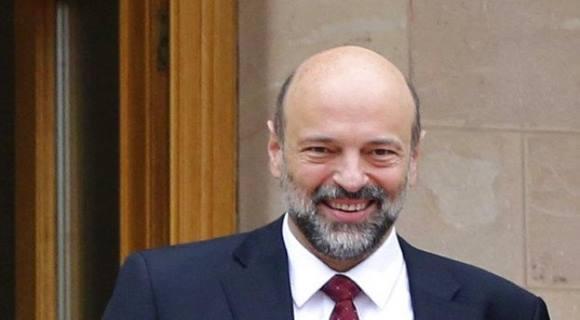 لغز بقاء 15 وزيراً من السابقين في حكومة الرزاز وجملة صارمة من الملك