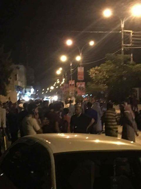 صورة: ماذا يحدث في شارع الجيش بالزرقاء!!