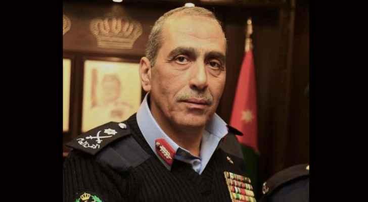 """مطلوب """"خطير"""" يسلم نفسه لمدير الأمن العام"""