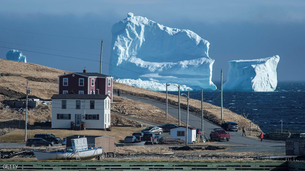 """بالصورة ..  جبل """"الجليد"""" العملاق"""