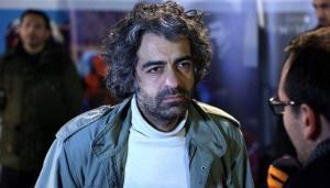 العثور على مخرج ايراني اشلاء في سلة القمامة!