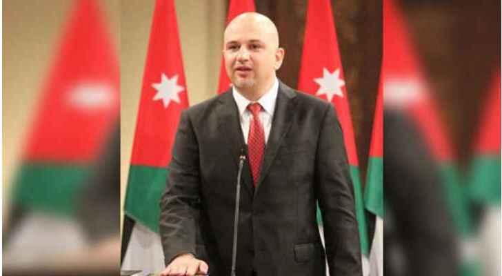 نواب يطالبون بطرد الوزير غرايبة من المجلس
