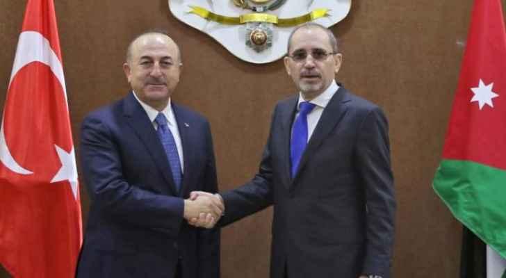 وزير الخارجية التركي يهاتف الصفدي لبحث الأوضاع في فلسطين
