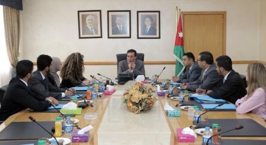 رئيس مجلس النواب يلتقي طلبة العلوم السياسية في الجامعة الأردنية