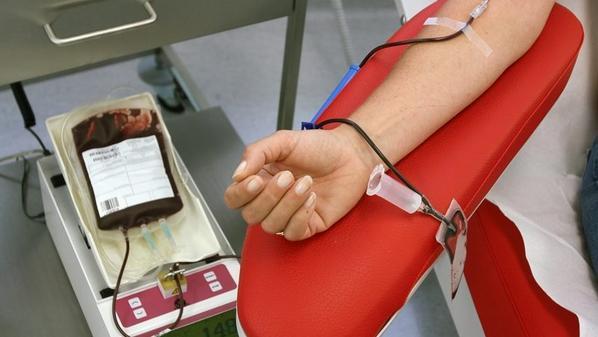 سحب 615 وحدة دم بحملة تطوعية في جامعة آل البيت