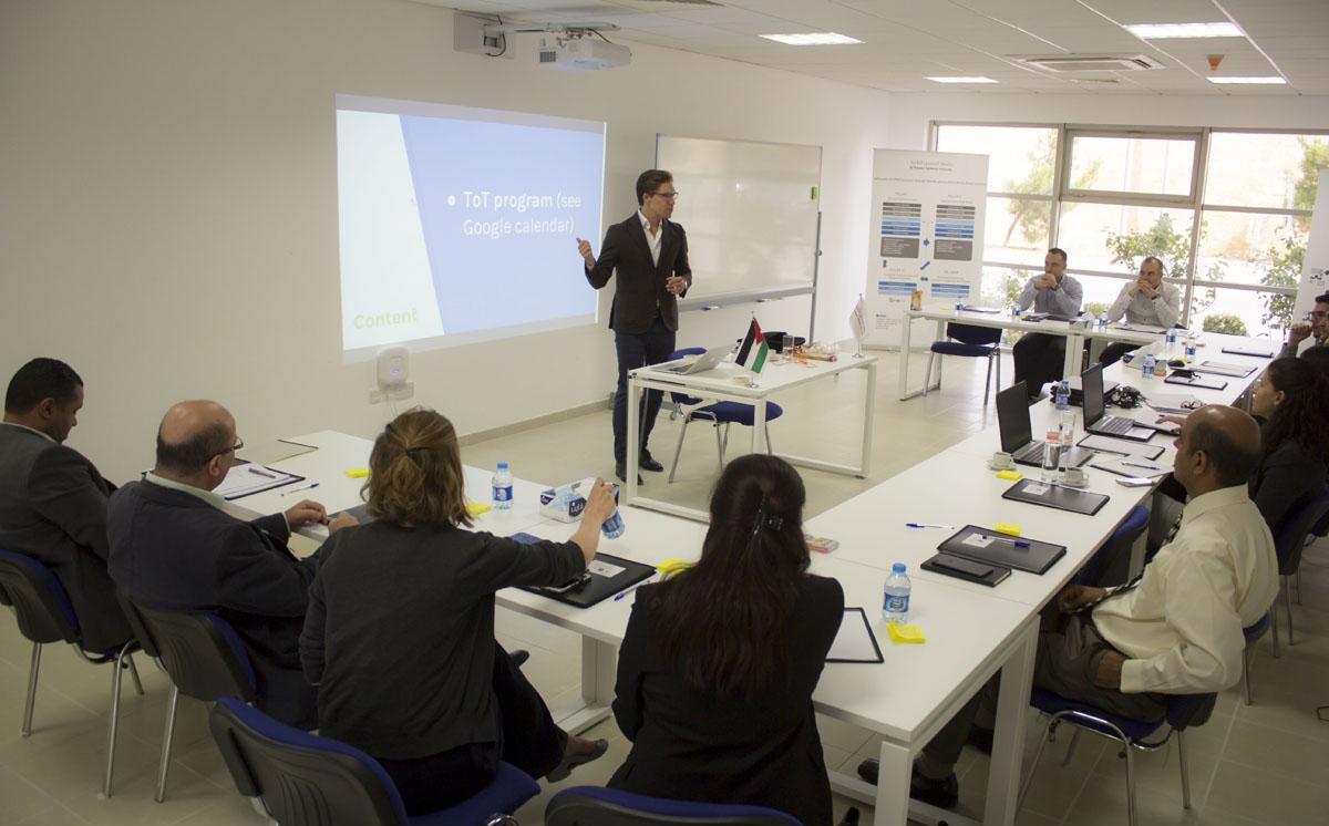 """ورشة عمل في """"الحسين التقنية"""" للتدريب بمجال ريادة الأعمال"""