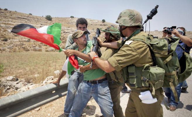 اصابات خلال مواجهات مع الاحتلال في ابو ديس شرق القدس