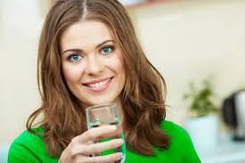 الكمية الصحيحة لشرب الماء في رمضان